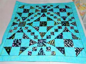 dark triangle quilt 1